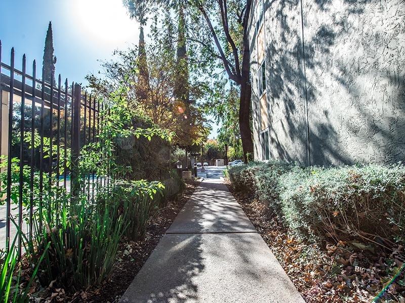 Beautiful Landscaping | Crossings at Wyndham