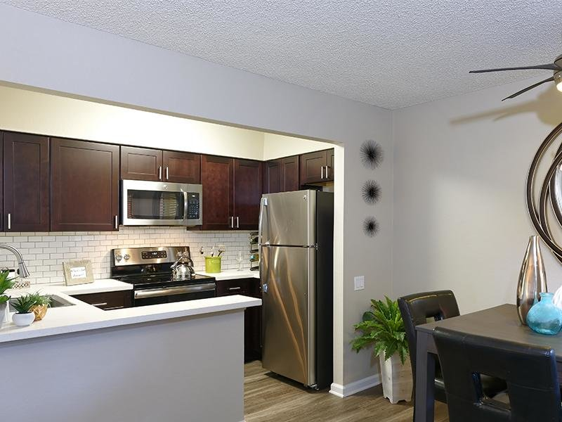 Kitchen | Horizon Apartments