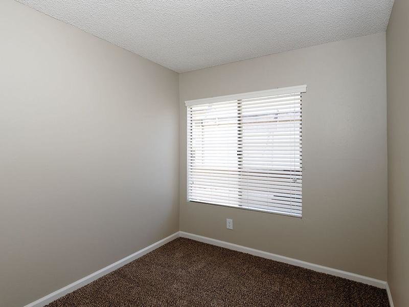 Studio Apartments in Santa Ana, CA