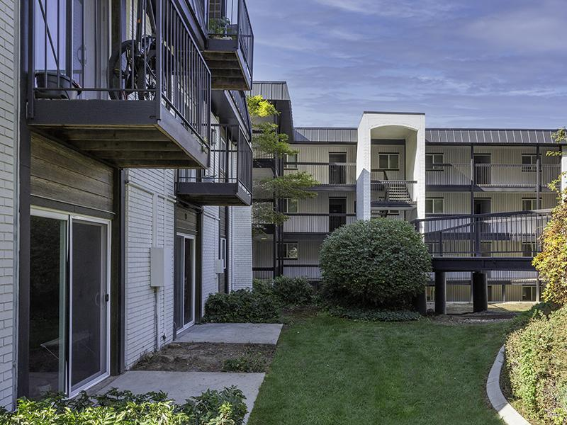 Patios | Lookout Pointe Apartments in Provo, UT