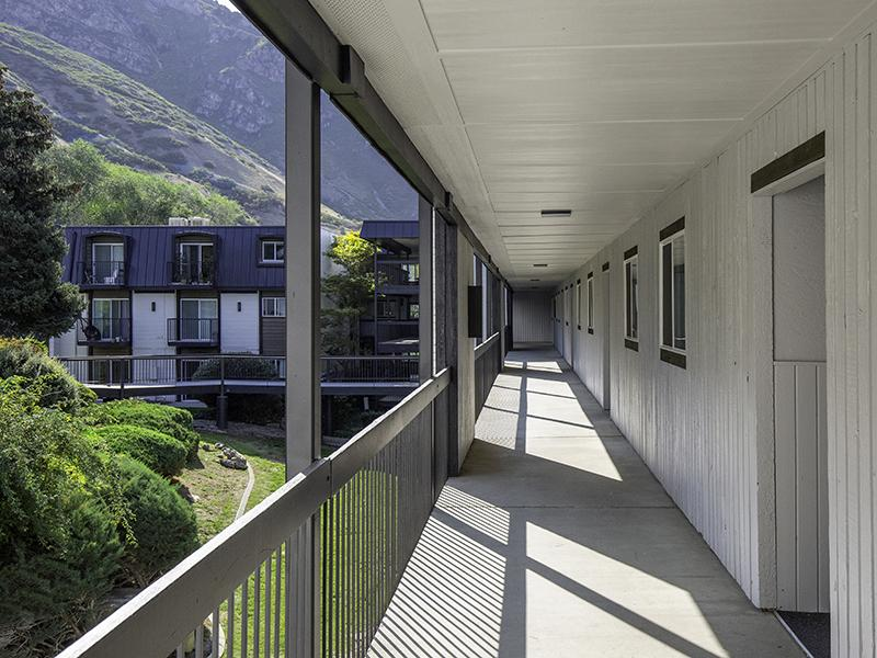 Walkways | Lookout Pointe Apartments in Provo, UT