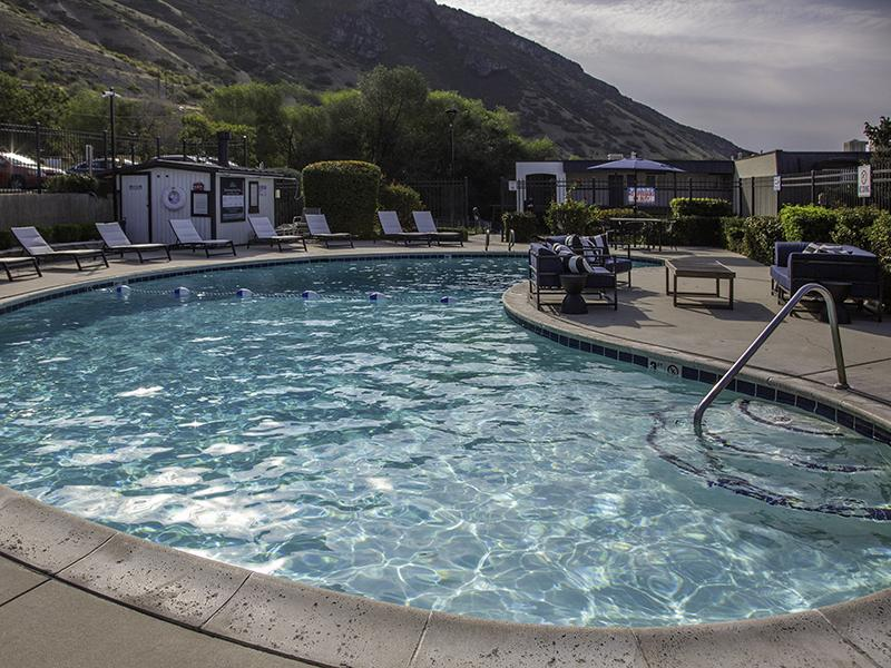 Pool | Lookout Pointe Apartments in Provo, UT
