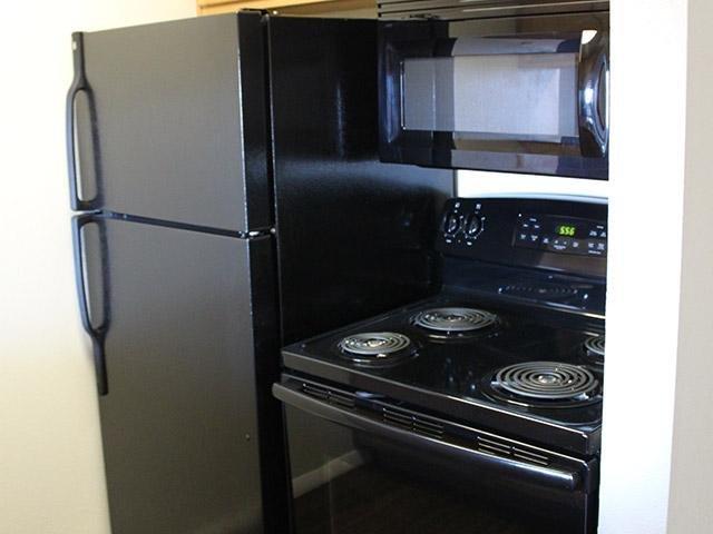 Black Appliances | Apartments in Provo, UT