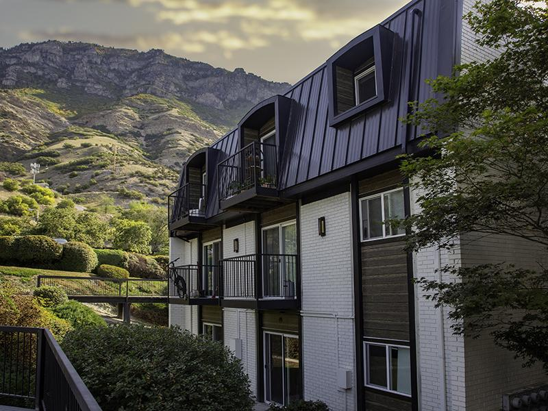 Exterior | Lookout Pointe Apartments in Provo, UT
