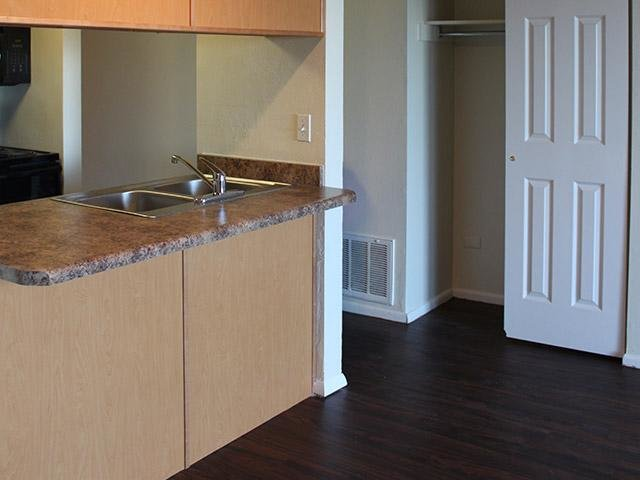 Kitchen | Lookout Pointe Apartments in Provo, UT