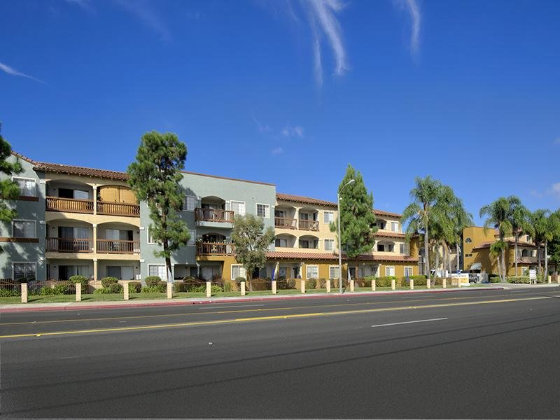 Apartments in Huntington Beach, CA