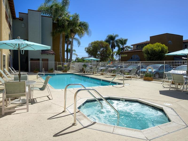 Huntington Breeze Apartments in Huntington Beach,