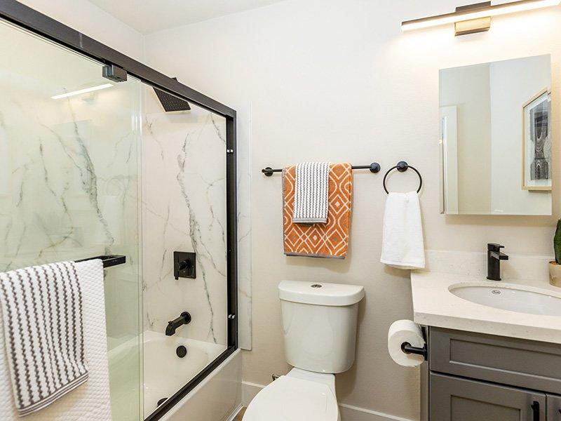 Bathroom   Enclave Apartments