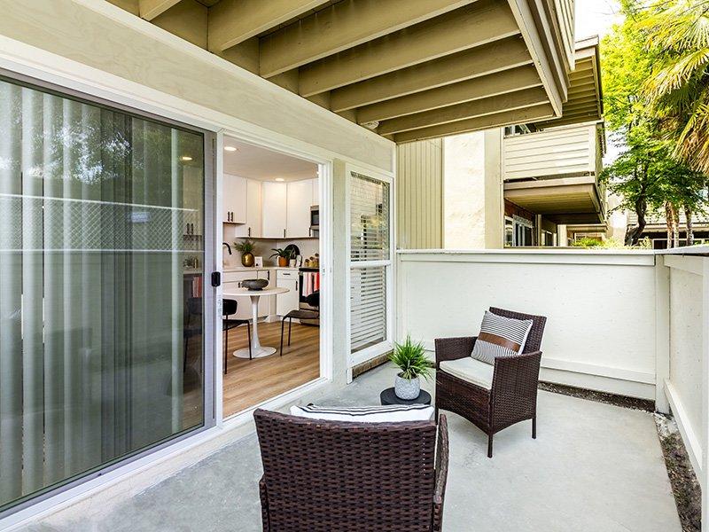 Balcony/Patio   Enclave Apartments
