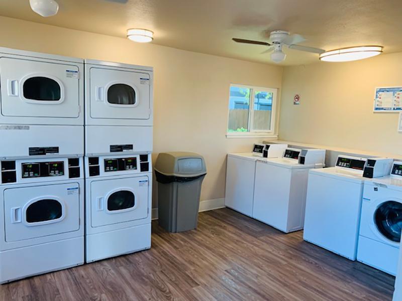 Laundry Facility   Rockwell Manor