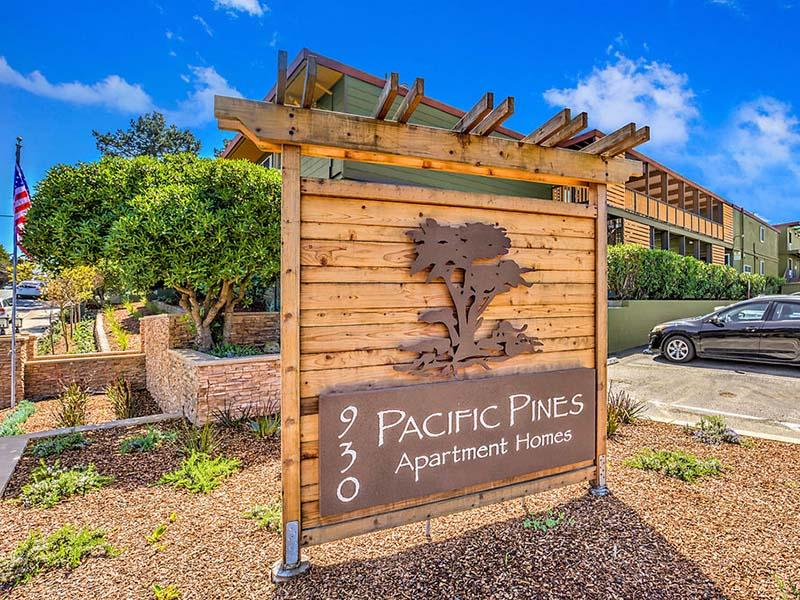 Sign | Pacific Pines