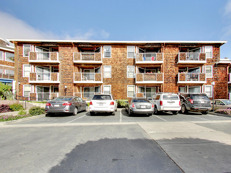 Building | Coral Court Apartments