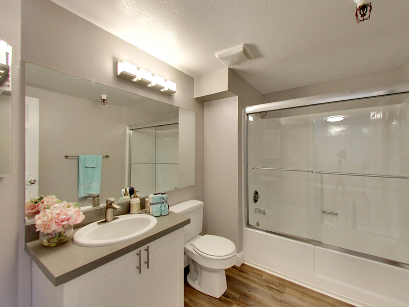 Bathroom | Coral Court Apartments