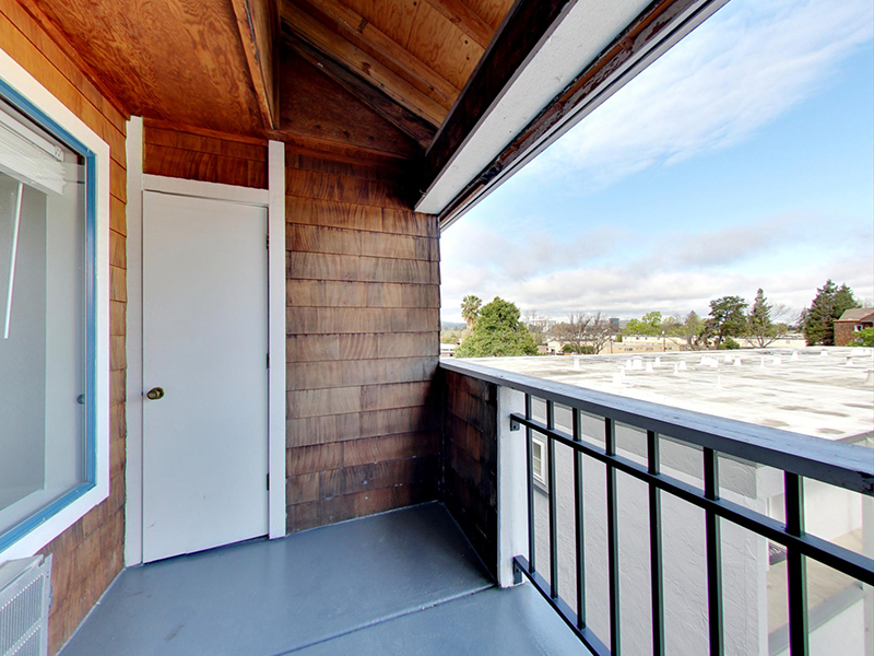 Balcony | Coral Court Apartments