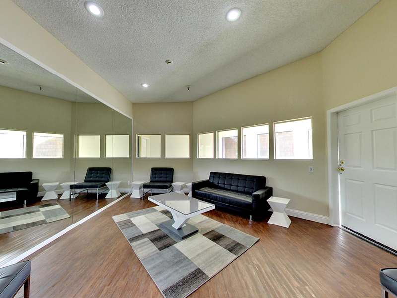 Resident Lounge | Coral Court Apartments