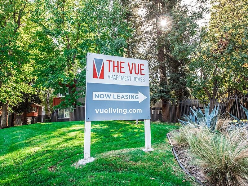 Welcome Sign | The Vue Apartments