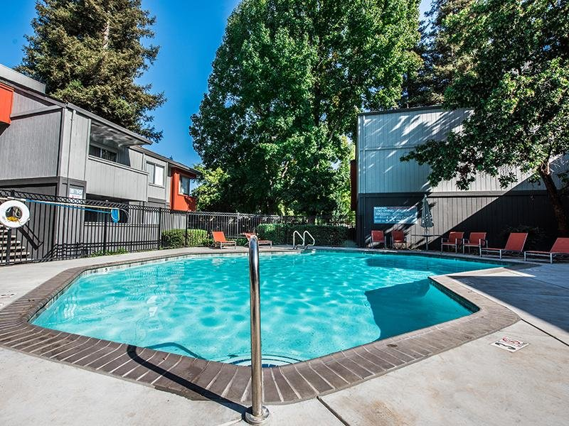 Pool  | The Vue Apartments