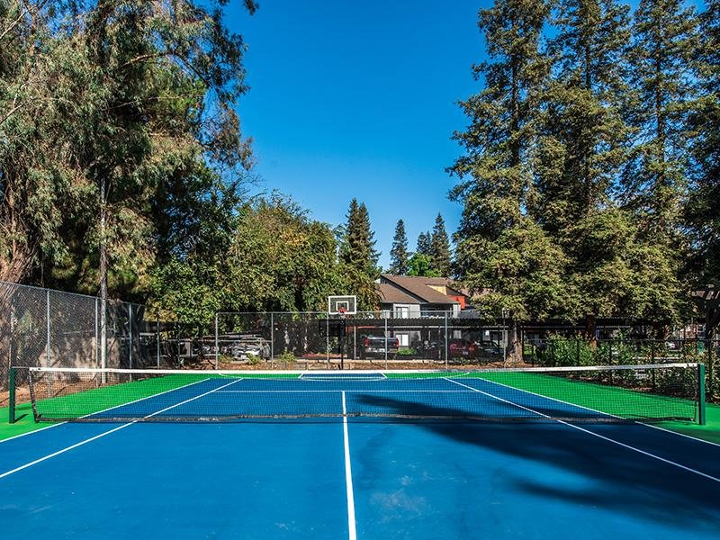 Tennis & Basketball Court| The Vue Apartments