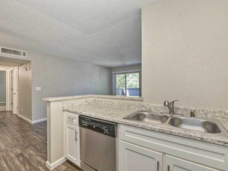 Kitchen Countertops | The Vue Apartments in Sacramento, CA