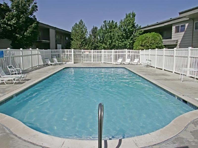 Pool | Aspenwood