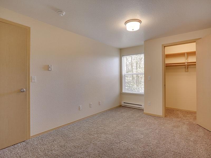 Bedroom   Stark Street Crossings Apartments
