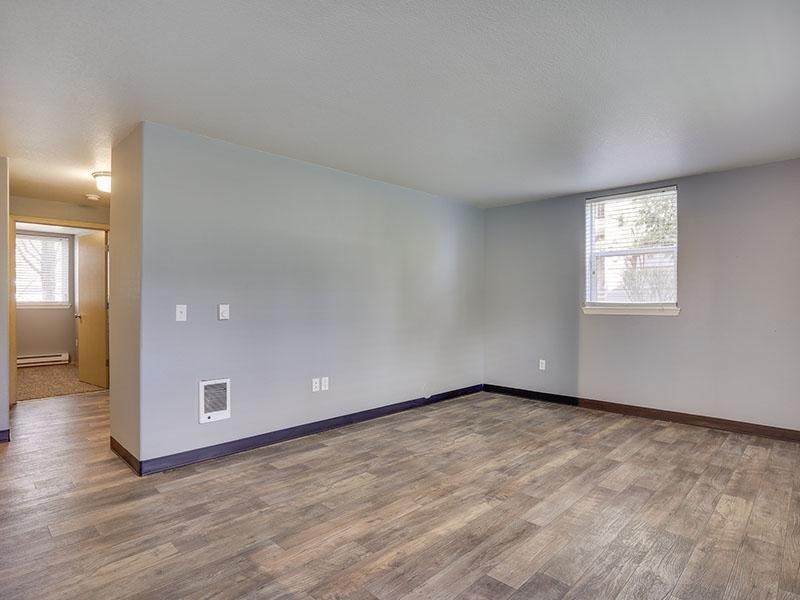 Living Room Hallway   Stark Street Crossings