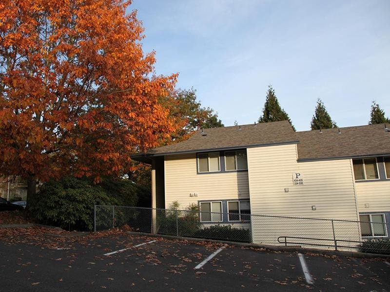 Building Exterior | Silverwood Apartments in Gresham, OR