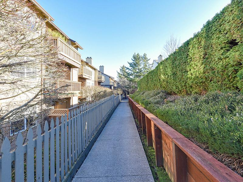 Apartment Exterior Walking Trails | Powell Valley Farms Apartments in Gresham OR