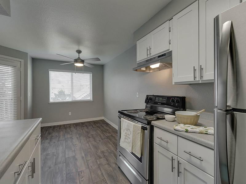 Apartments With Stainless Steel Appliances | Powell Valley Farms in Gresham OR