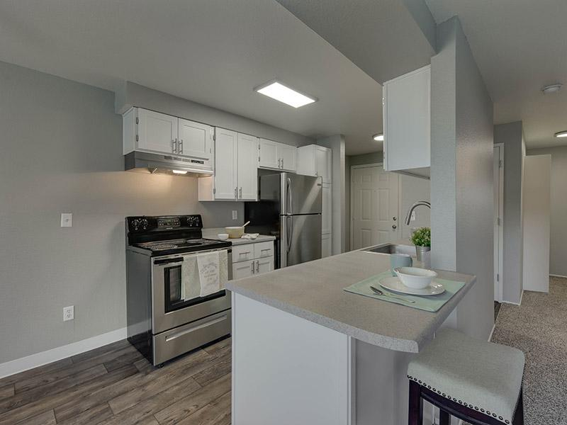Apartments With a Breakfast Bar | Powell Valley Farms Apartments in Gresham OR