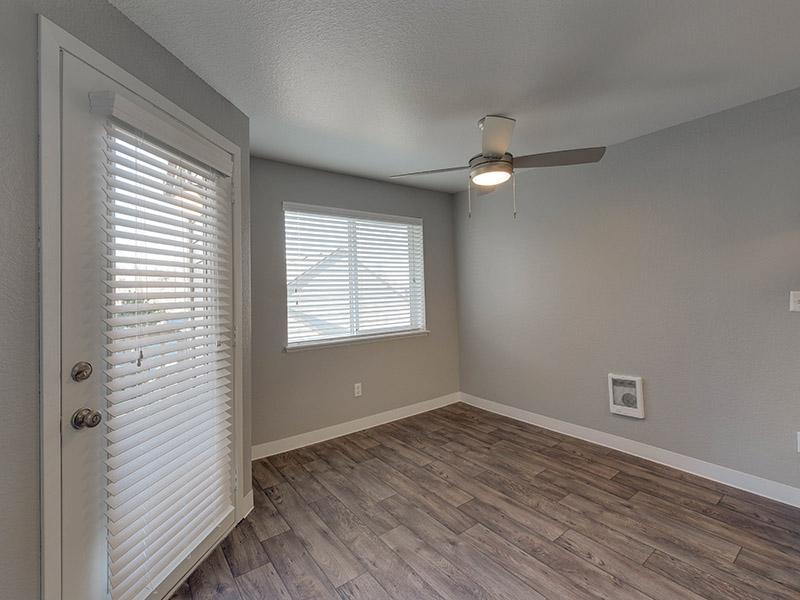 Open Style Dining Room | Powell Valley Farms Apartments in Gresham OR