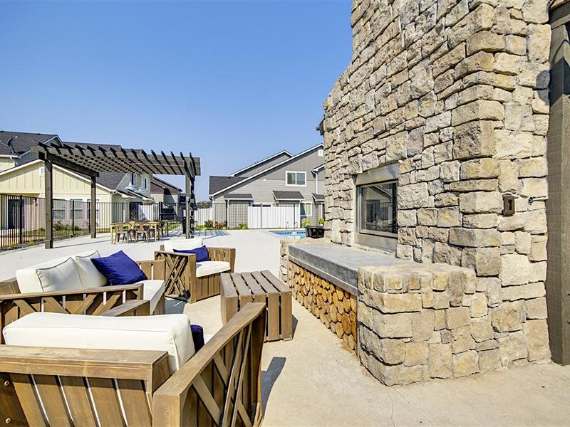 Fire Place Lounge | Cottages at Stonesthrow Meridian Townhomes