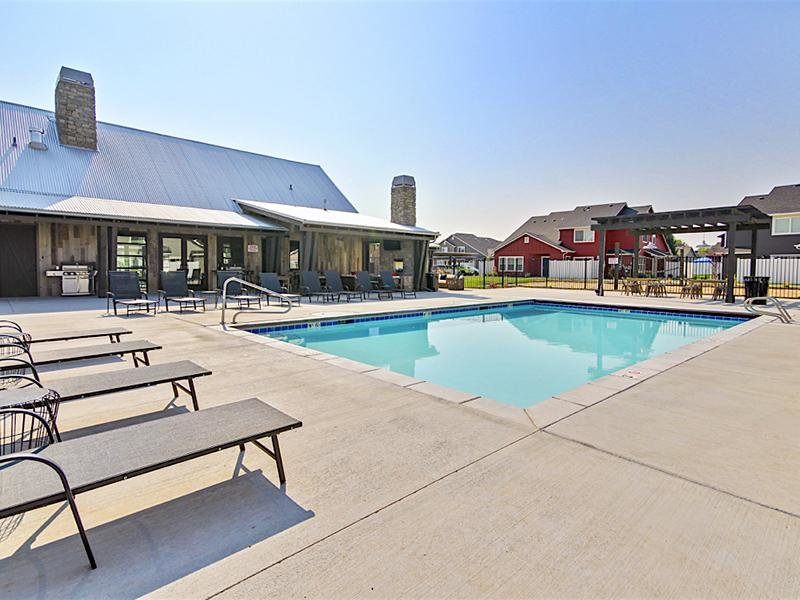 Swimming Pool | Cottages at Stonesthrow Meridian Townhomes
