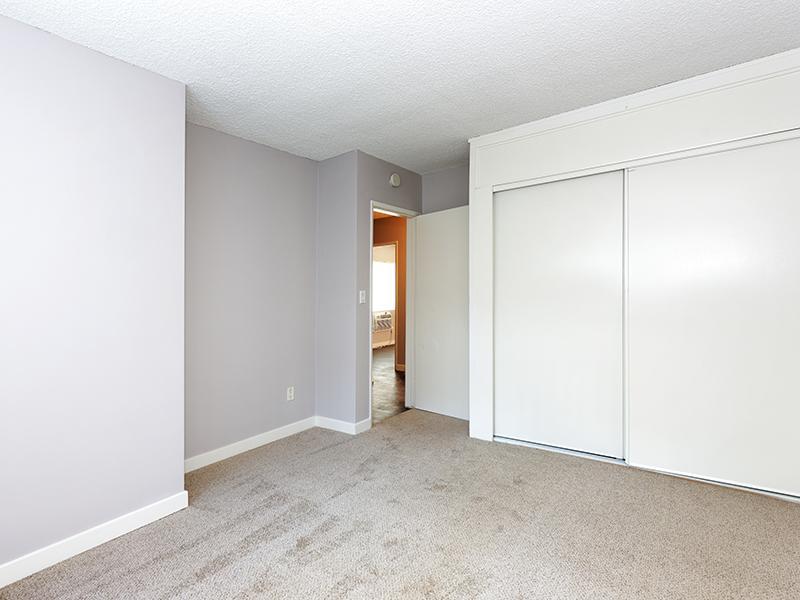 Bedroom | Burbank Apartments