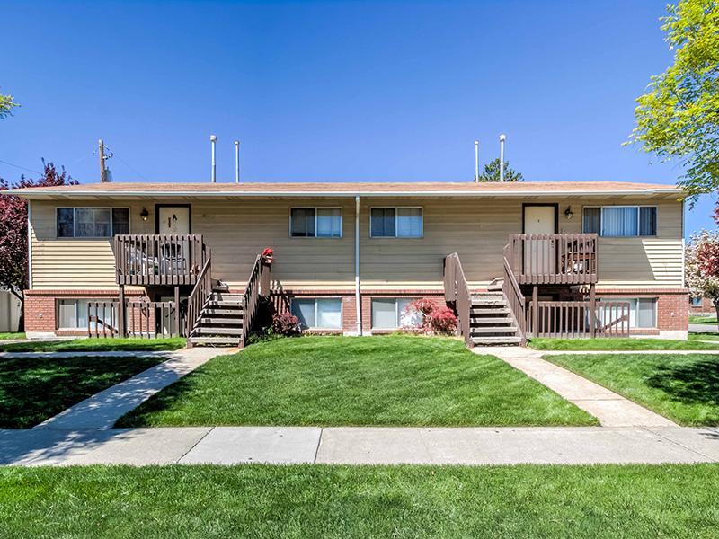 Exterior | Aspen Cove Townhomes