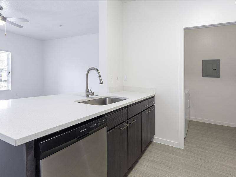 STAINLESS STEEL APPLIANCES | Wilshire Place