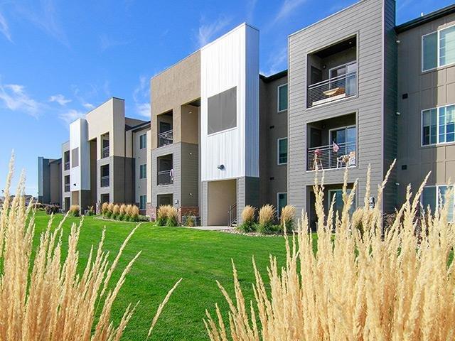 Wilshire Place Apartments in West Jordan, UT