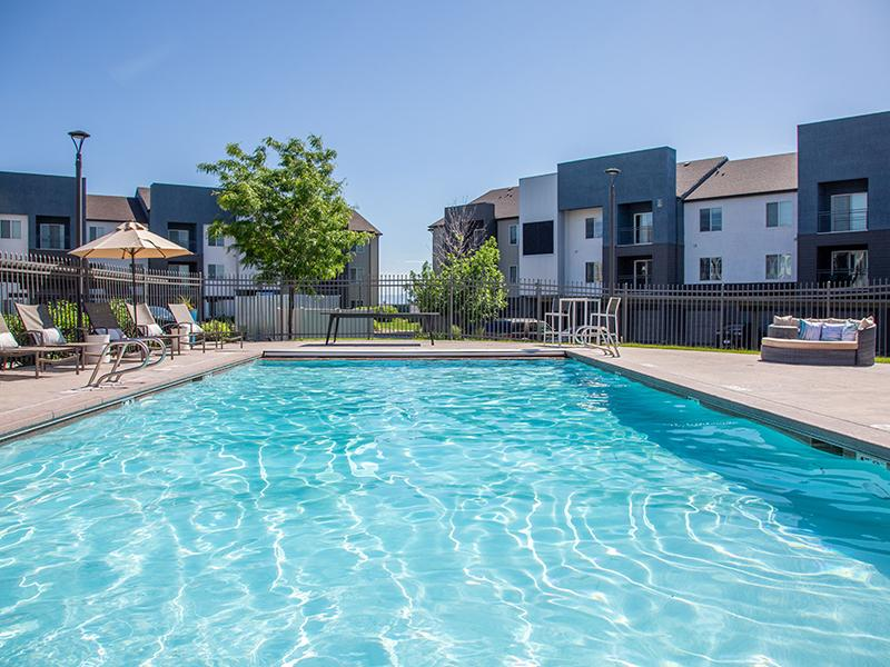 June pool picture | Wilshire Place