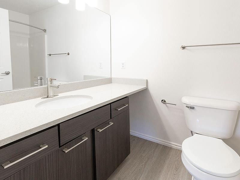 Bathroom | Woodgate Apartments