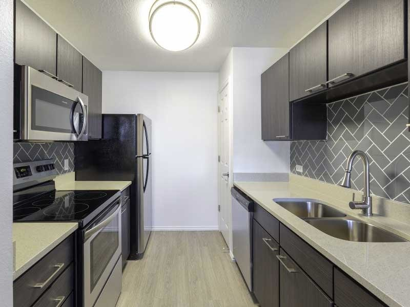 Kitchen | Woodgate Apartments