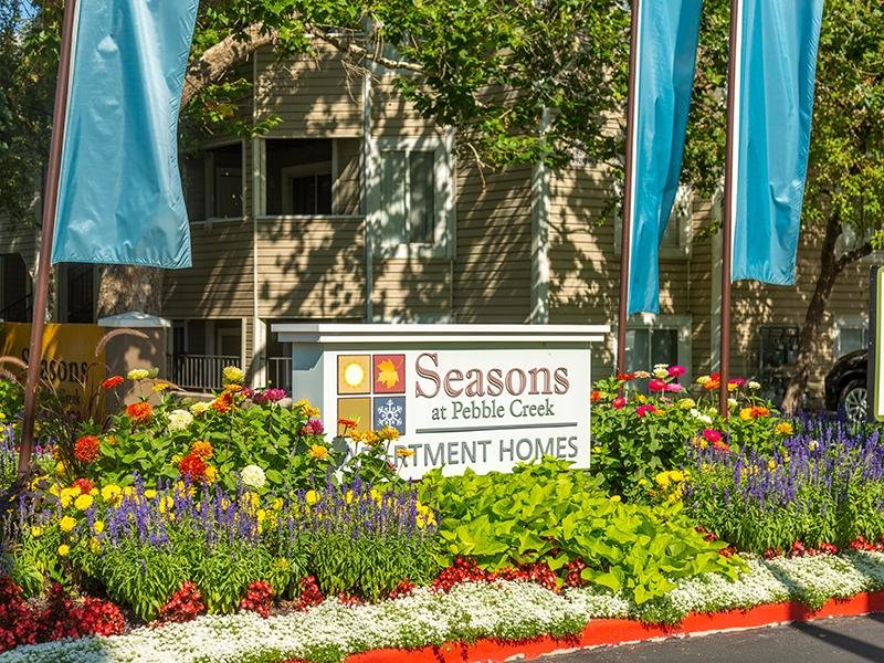 Welcome Sign | Seasons at Pebble Creek