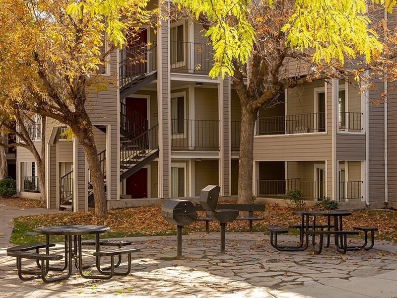 Exterior | Seasons at Pebble Creek