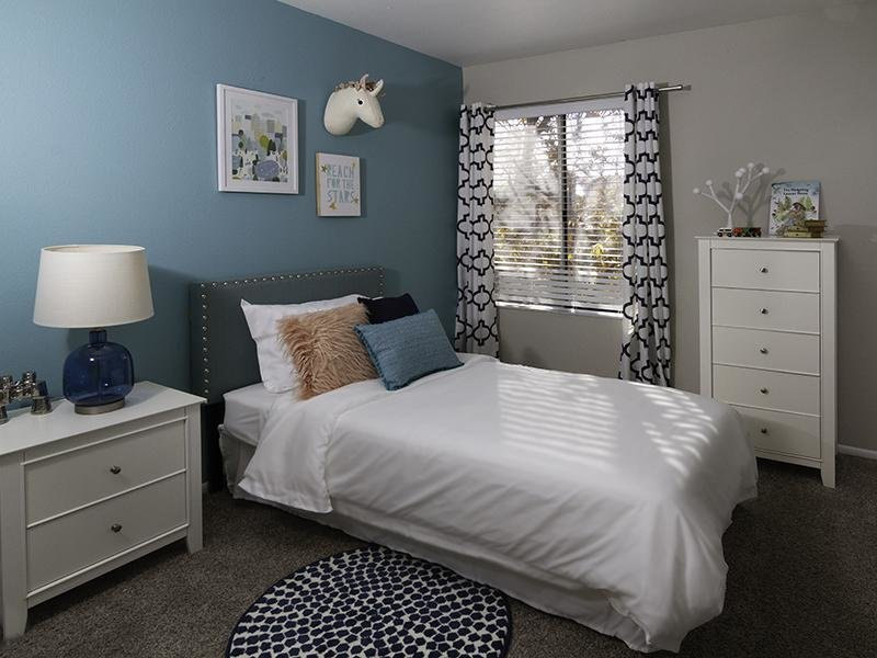 Bedroom | Seasons at Pebble Creek
