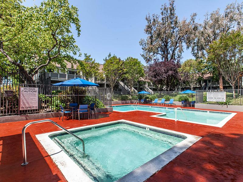 Hot Tube & Swimming Pool | Apartments in Hayward, CA