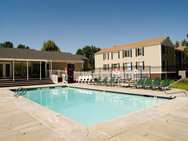Pool | Solara Apartments