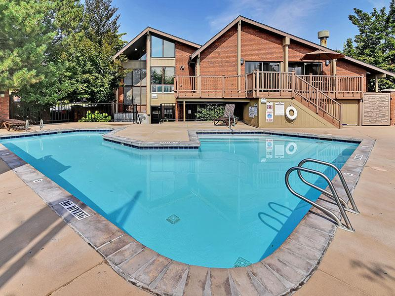 Pool  | Fox Creek Apartments
