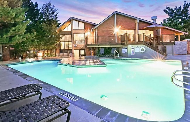 Fox Creek Apartments in Layton, UT
