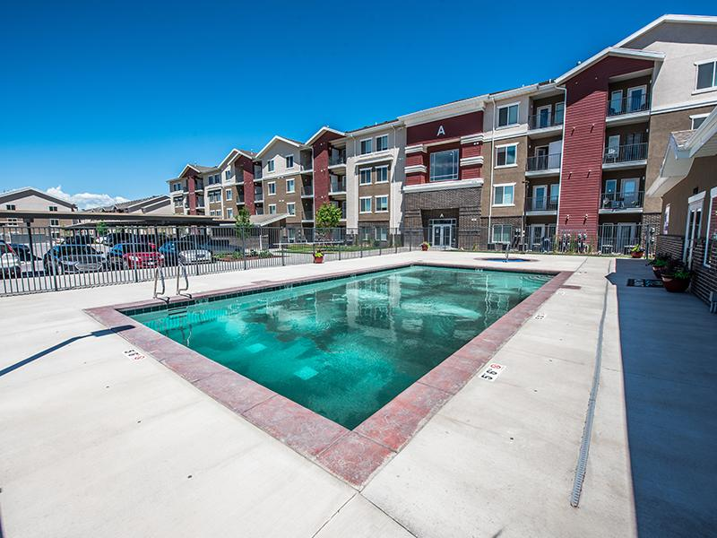 Swimming Pool | Mill Point Apartments