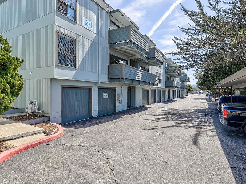 Garages | SeaBreeze Apartment Homes