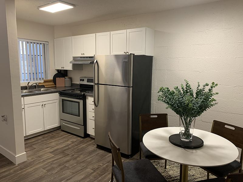 Kitchen & Dining Area| Towers on Main Apartments